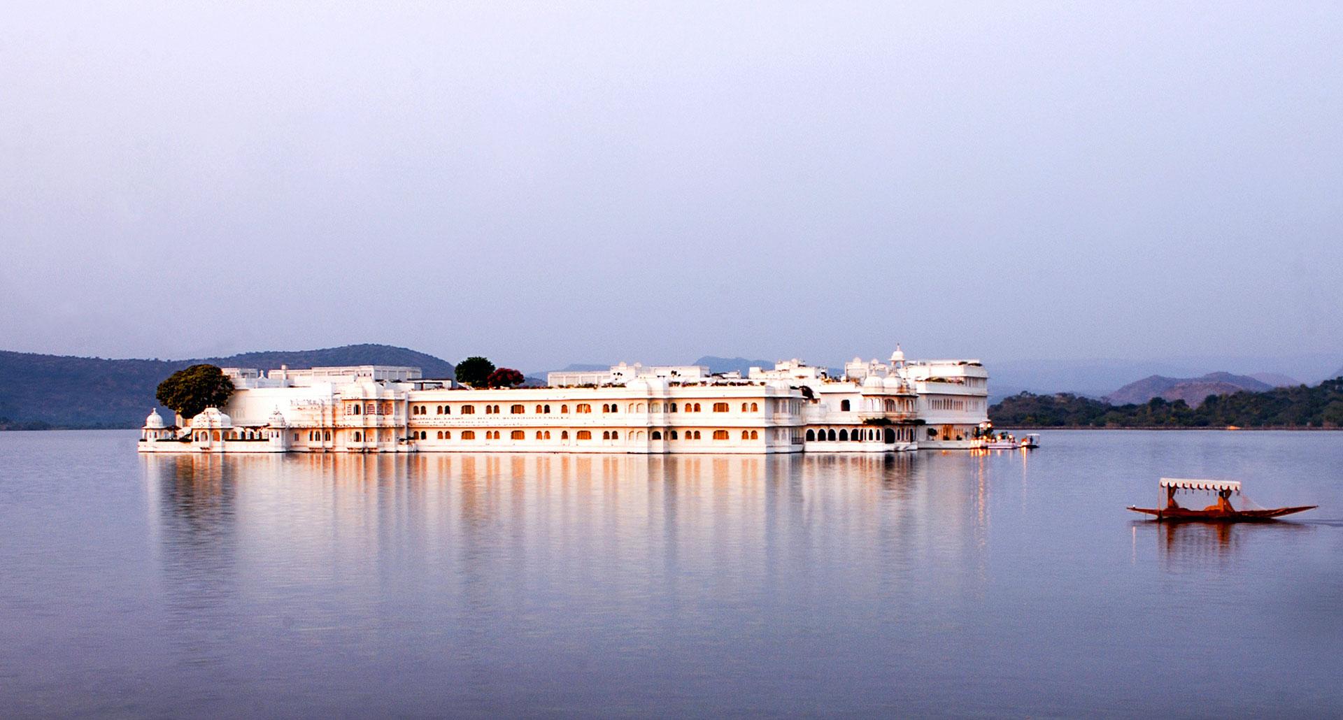 TAJ LAKE PALACE - boutique hotel in Lake Pichola