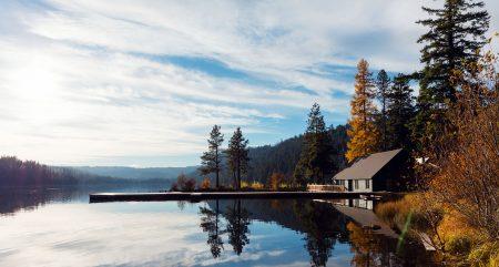 The Suttle Lodge & Boathouse, Suttle Lake, Oregon